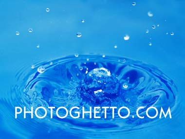Small Wave & Droplets Photo Image